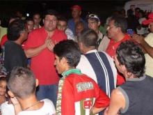 Hugo Cabezas con la comunidad de San Luis
